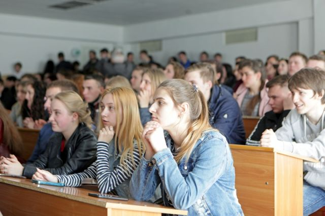 Лекція  Іон Моррару студентам біолого-технологічного факультету